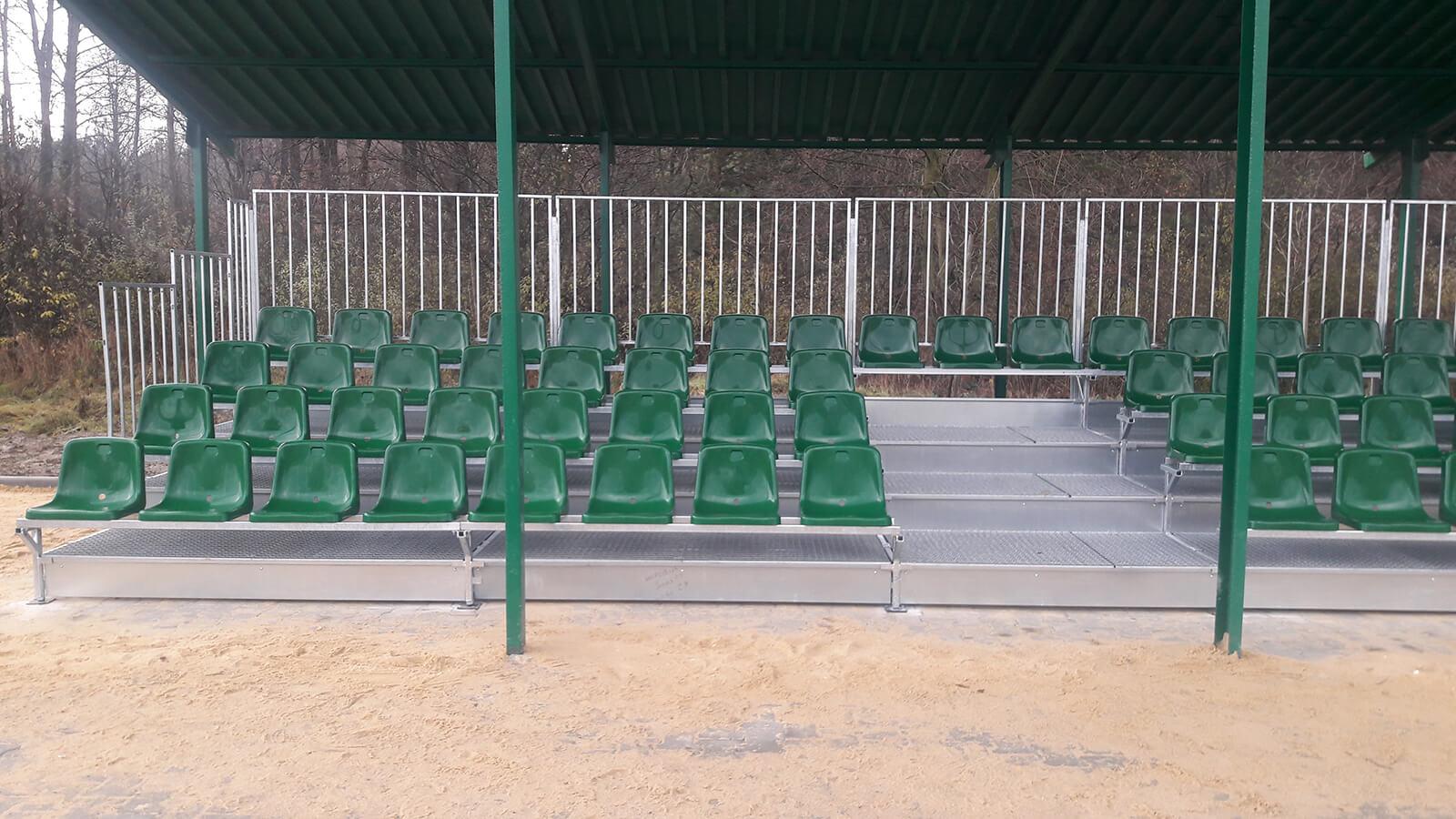 Trybuny na boisko sportowe dla LKS Legion - Bydlin - Małopolska